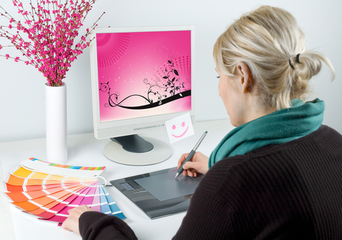 3 Types of Courses You Will Take in an Online Graphic Designer Bachelor's Degree Program