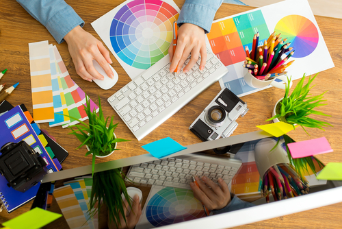 How Important Is a Portfolio in an Online Graphic Designer Bachelor's Degree Program?