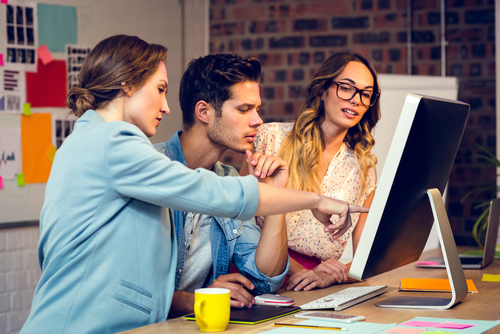 What Is the Work Environment Like for Graduates of an Online Graphic Designer Bachelor's Degree Program?