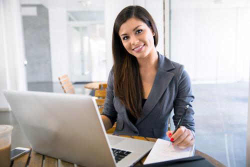 How Do I Choose an Online Business School?